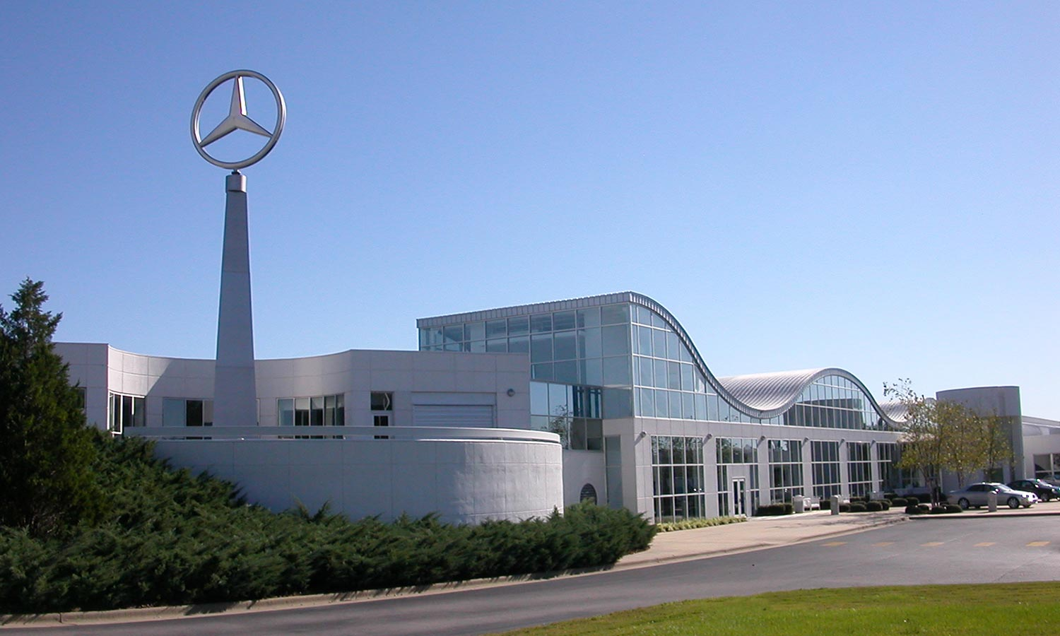 Mercedes benz customer service center lbyd engineers for Mercedes benz service centre